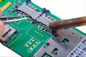 mobile-phone-repair-electronic-lab-working-place-technician-repairs-sim-slot-circuit-board-close-up-selective-focus-34725586